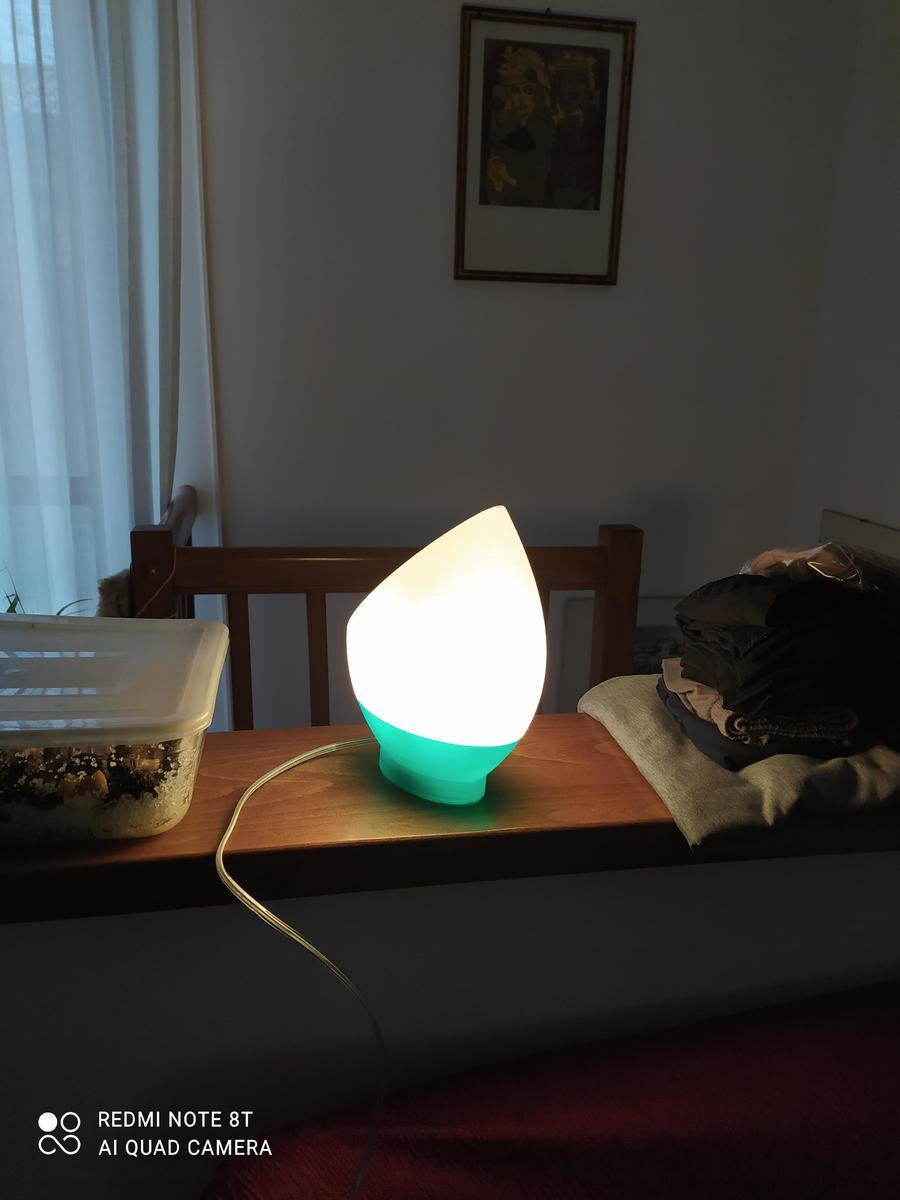 Lampada da comodino bicolore in PETG verde e bianco Tomas3d
