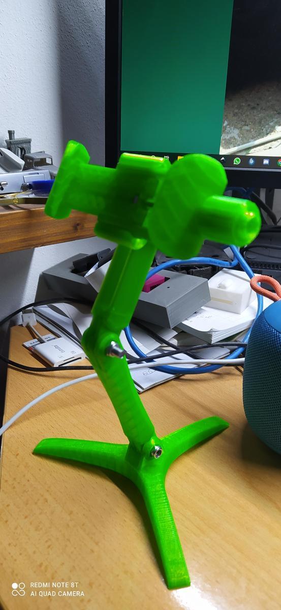 porta cellulare da tavolo in PLA verde fluo Amazonbasic